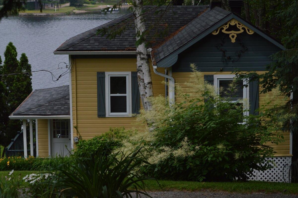 Le Moqueur Roux - Chalets à louer au Lac-Simon, Québec, Canada