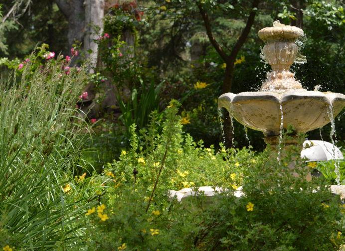 Fontaine d'eau - Chalets aux Crocollines - Extérieur