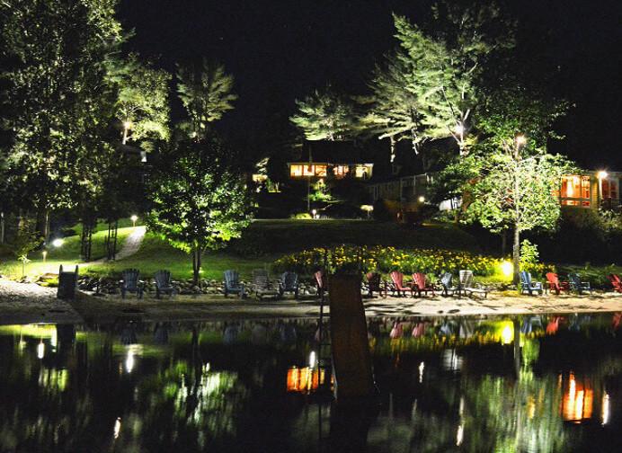 Plage privée de nuit - Chalets aux Crocollines -Chalet à louer - Lac Simon, Qc